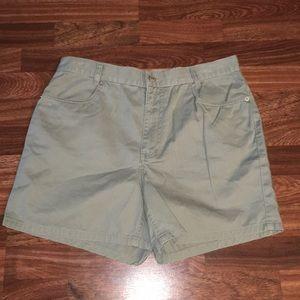 Olive Vintage Tommy Hilfiger high waisted Shorts
